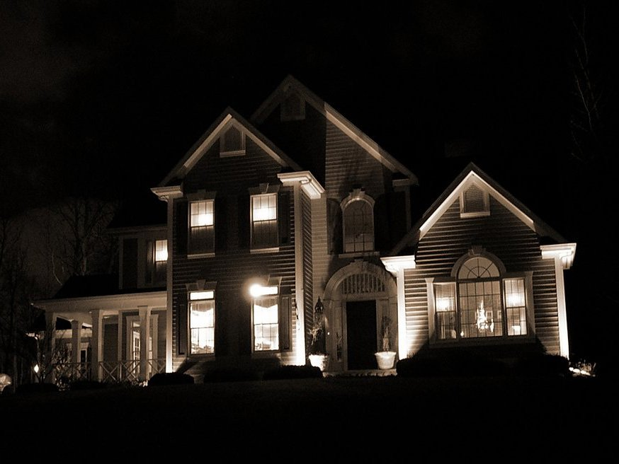 VerPlank Electric Gallery Image Exterior Home Lighting